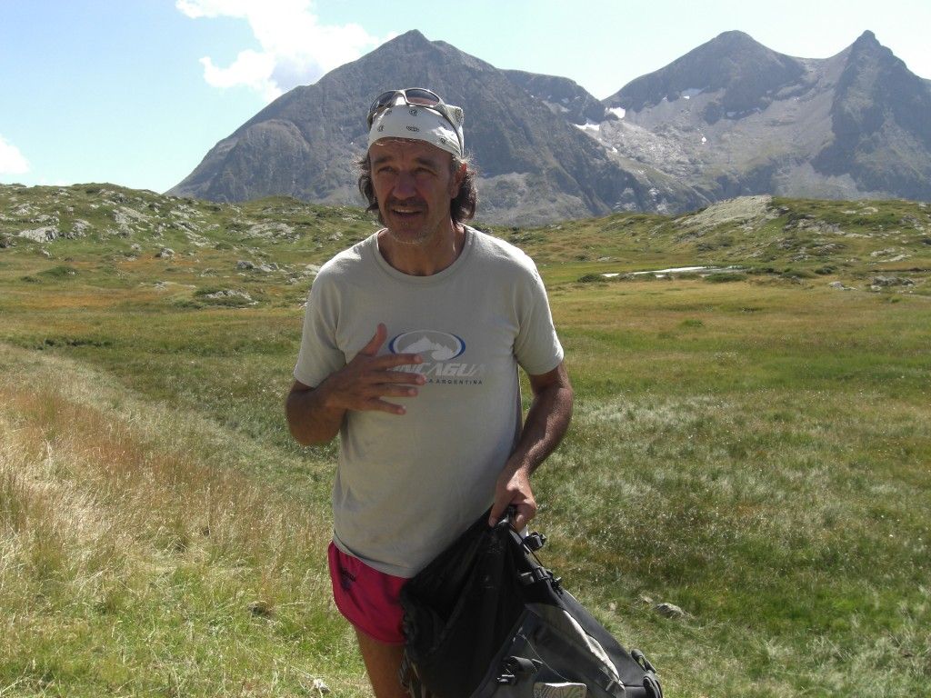 Le plateau du Fourchu, au fond le Taillefer (Isère)